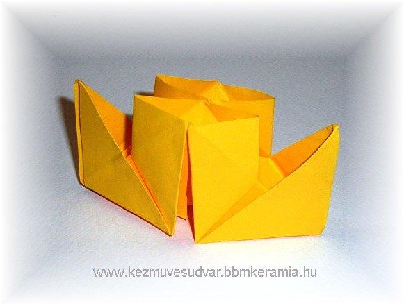 Kétkéményes papírhajó